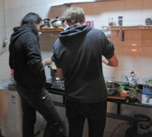 Dagur and Tomash prepare the pasta